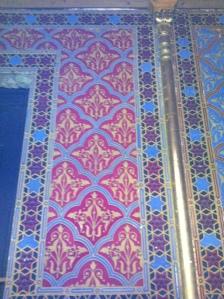 Muster und Strukturen als Fresko in einer Budapester Synagoge