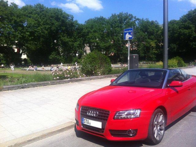 Audi A5 Cabrio vor dem Botantischen Garten in München